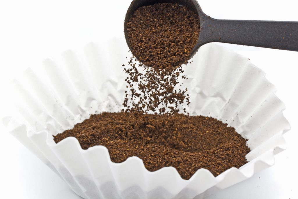 How does the shape of the filter impact the coffee taste